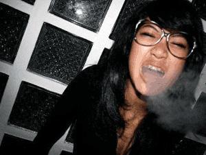 widi-vierra-merokok